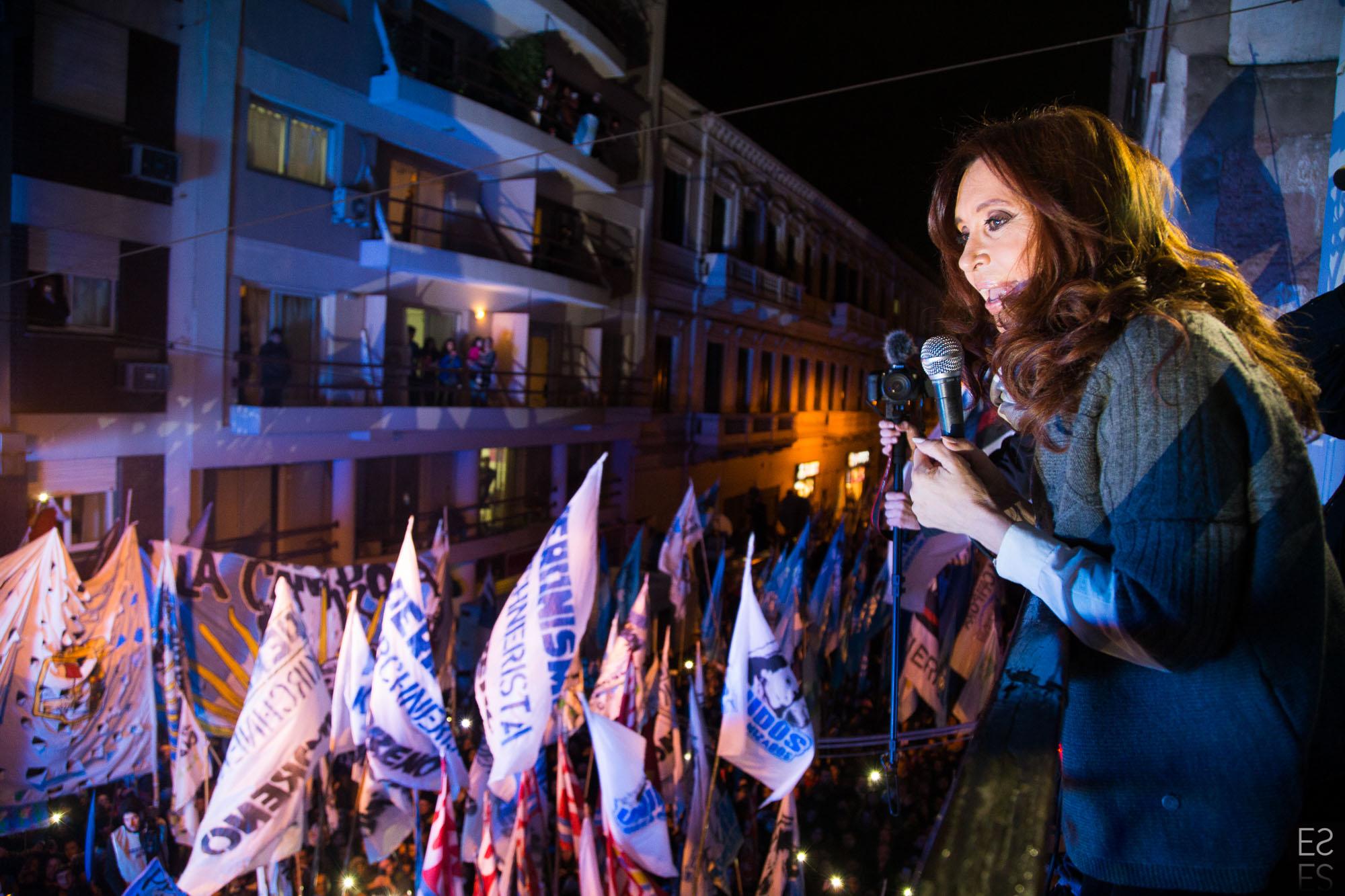 Cristina Kirchner: «Para ser felices tenemos que tener gobiernos que nos hagan vivir bien.»