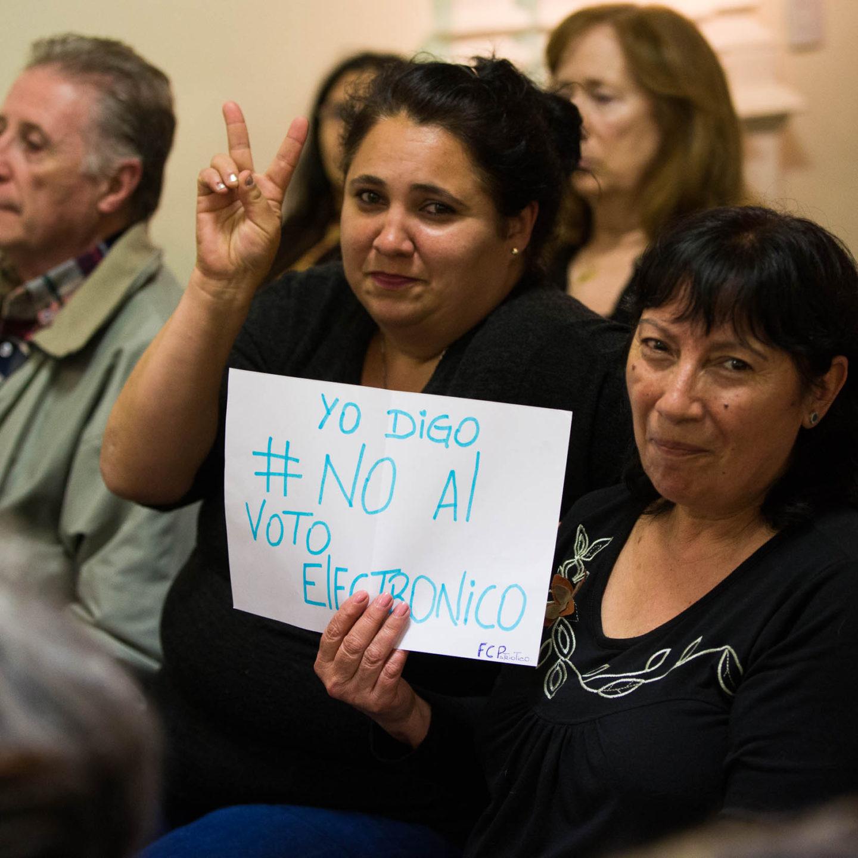 Cabandié, Lijalad y Chaparro señalaron los riesgos de adoptar un sistema de voto electrónico a nivel nacional