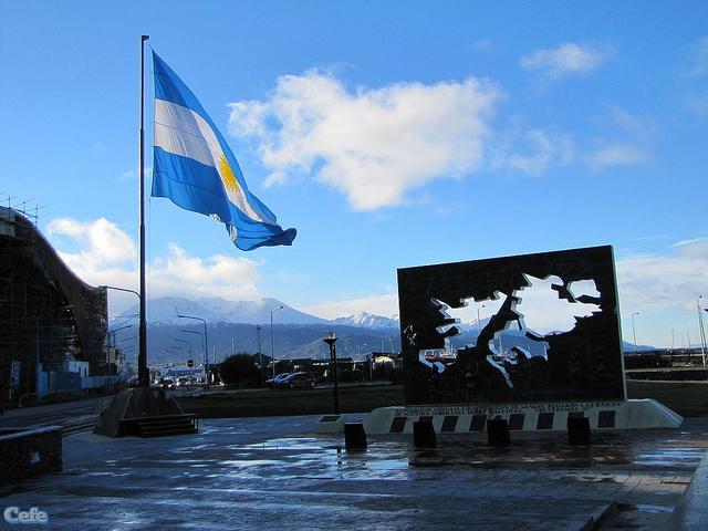 Defender la soberanía argentina en Malvinas es un imperativo constitucional