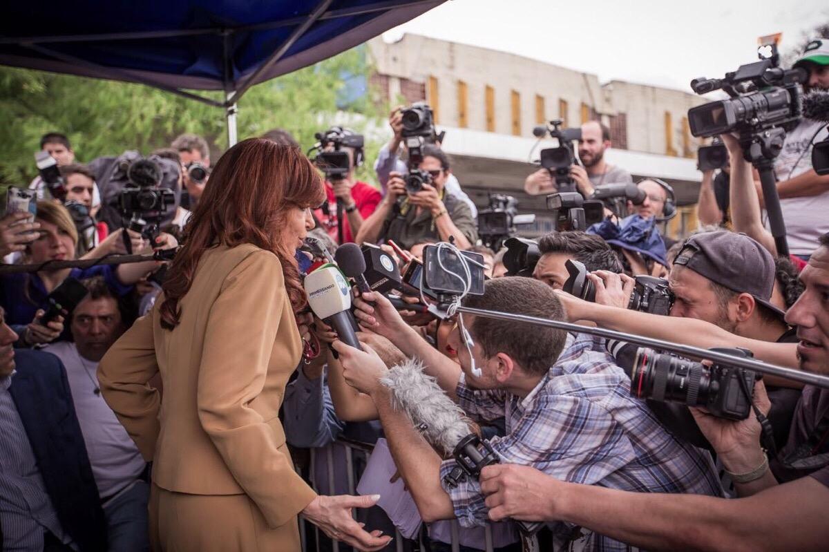 Cristina Kirchner en Comodoro Py: «Es una maniobra para tapar el desastre económico y social»
