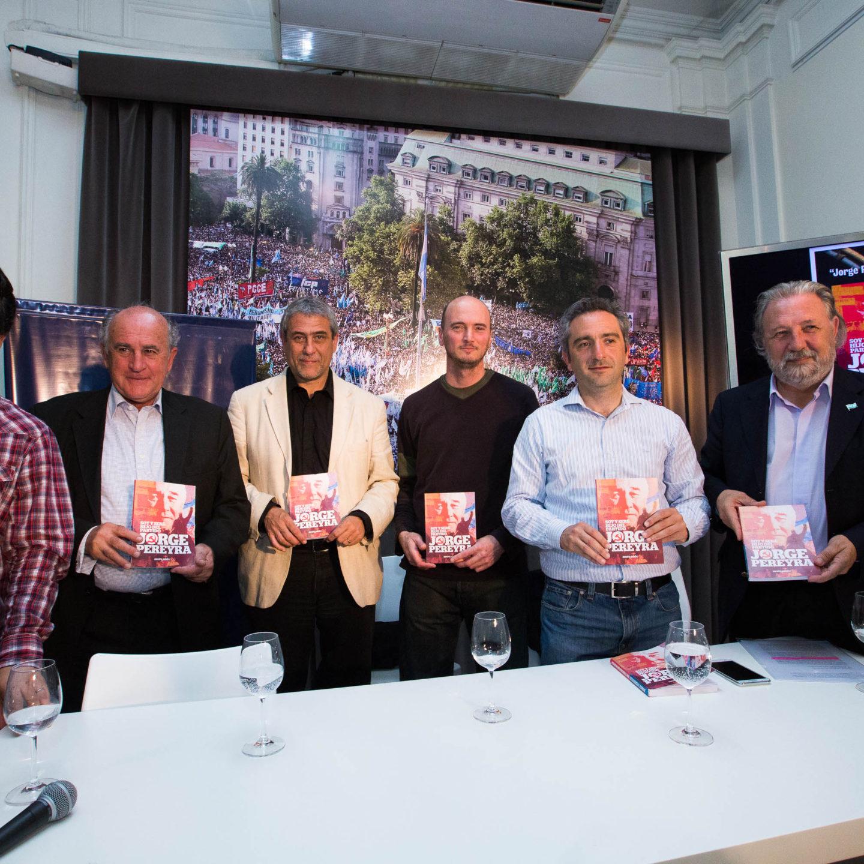 El PCCE presentó el libro que recopila el pensamiento político de Jorge Pereyra