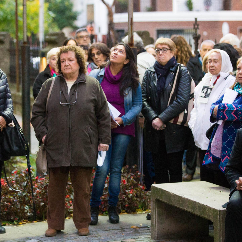 Se realizó el homenaje a las Madres en la Iglesia de la Santa Cruz