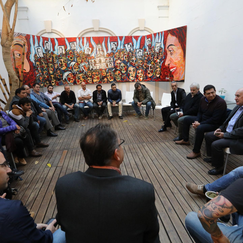 Reunión con dirigentes de organizaciones sindicales de la CGT de La Plata, Berisso y Ensenada en el Instituto PATRIA