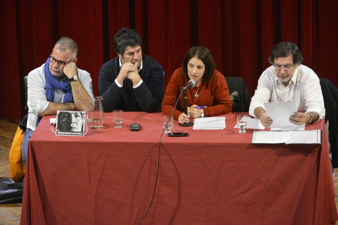 Alberto Sileoni y Laura Alonso compartieron la charla «La educación como derecho» en Bahía Blanca