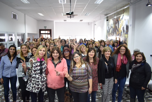 """""""Las Mujeres frente al Ajuste"""" en Firmat"""