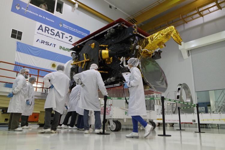 Repudio ante la politica de entrega de ARSAT a capitales extranjeros