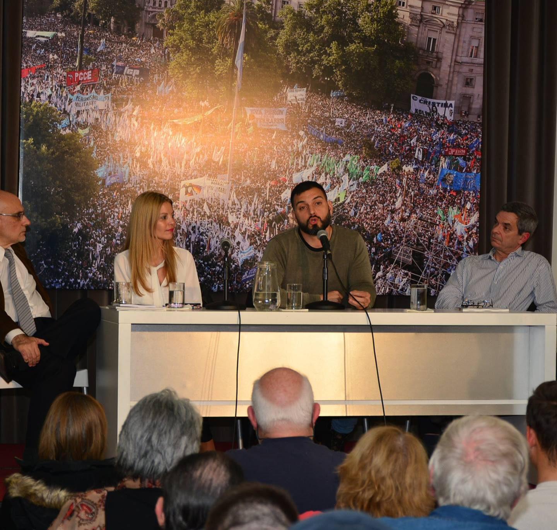 Charla: Los efectos de las políticas neoliberales en el ambiente