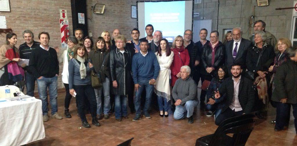 El hábitat en la región núcleo santafesina: derechos, economía, gobierno, comunidad.