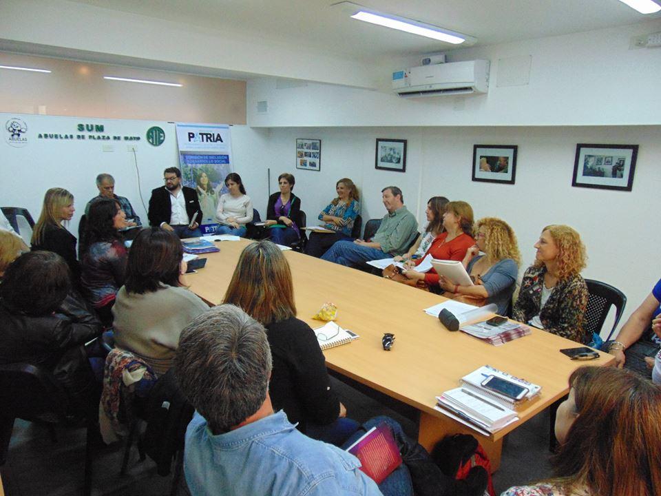 Los derechos sociales en emergencia: Niñez, adolescencia y pensiones en riesgo