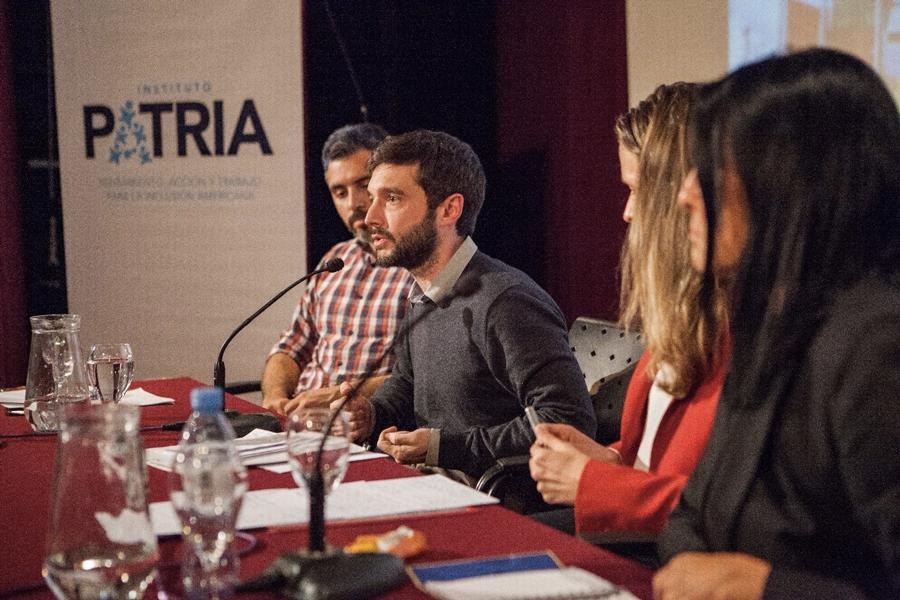 Con la presencia de Pablo Bustinduy (Podemos), se dictó la segunda clase del Curso de Formación en Relaciones Internacionales