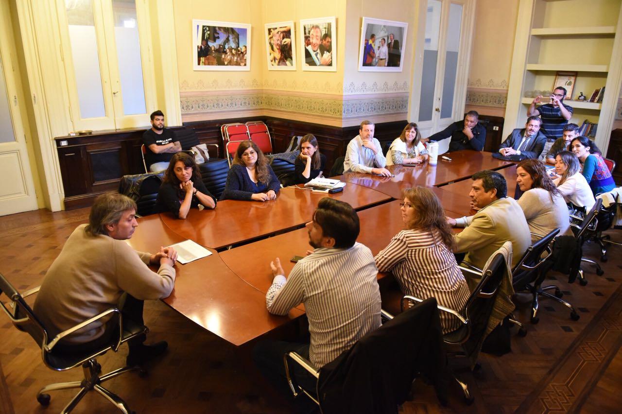 """Comisiones del PATRIA se reunieron con Máximo Kirchner para ultimar detalles sobre la campaña """"Un Mllón de FIRMAS contra la Reforma Previsional"""""""