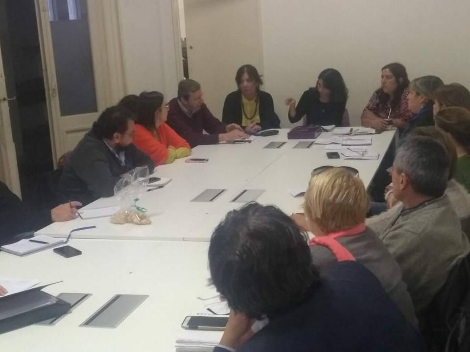 Cambio de paradigma en el Programa Ellas Hacen: de lo colectivo a lo individual como forma de desarticulación de la organización social