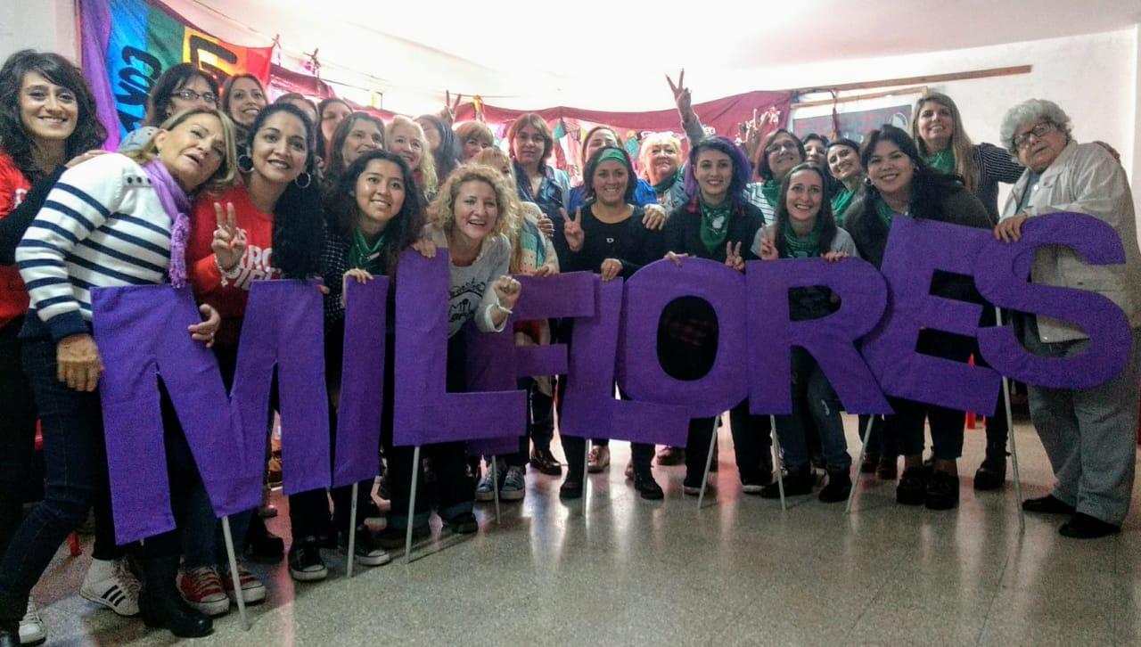 La Comisión de Mujeres y Género con el Frente Feminista «Mil Flores»