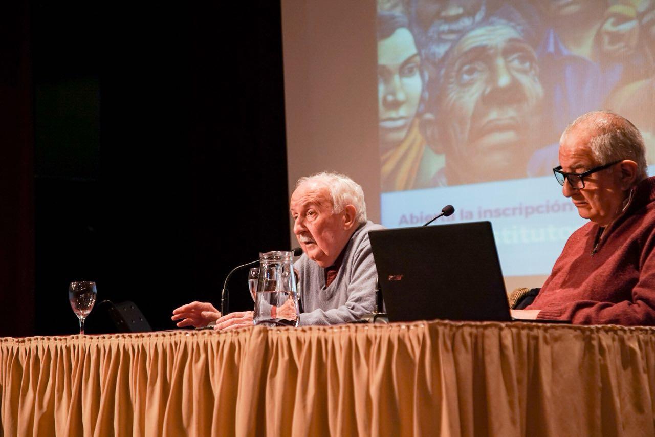 Norberto Galasso en la apertura del curso Historia Nacional