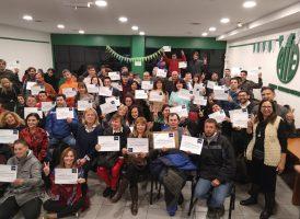 Entrega de certificados de cursos de formación