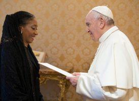 María Fernanda Silva presentó sus credenciales ante el Papa Francisco